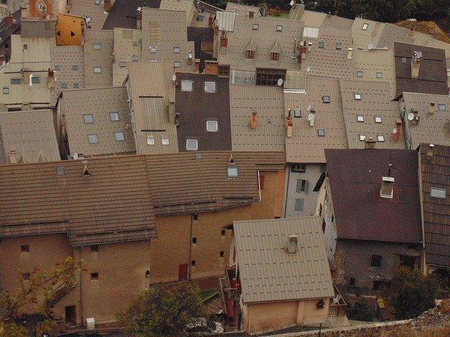 Výhody a nevýhody bydlení vpodkrovním bytě