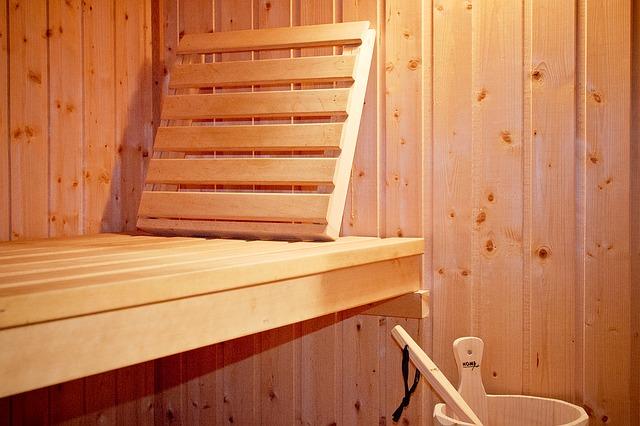 opěrka v sauně
