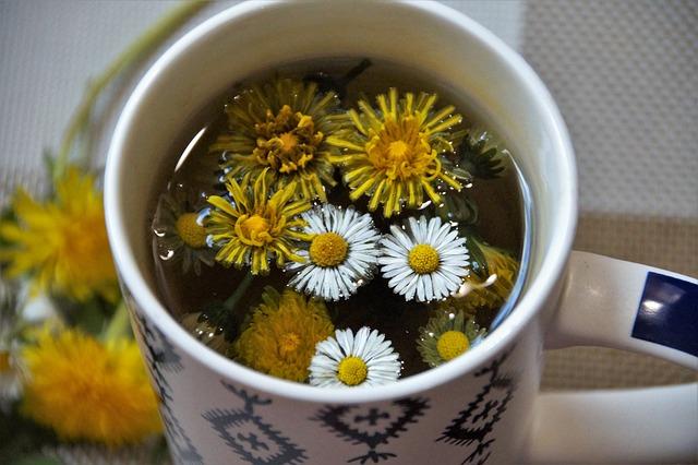 hrnek s čajem