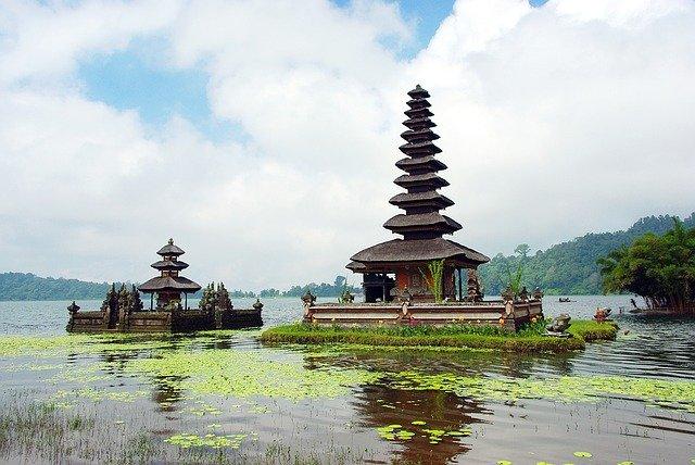 Ostrov Bali: příjemná atmosféra ostrova je způsobena přízní bohů i klimatu