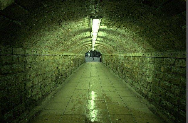 osvětlený podchod.jpg
