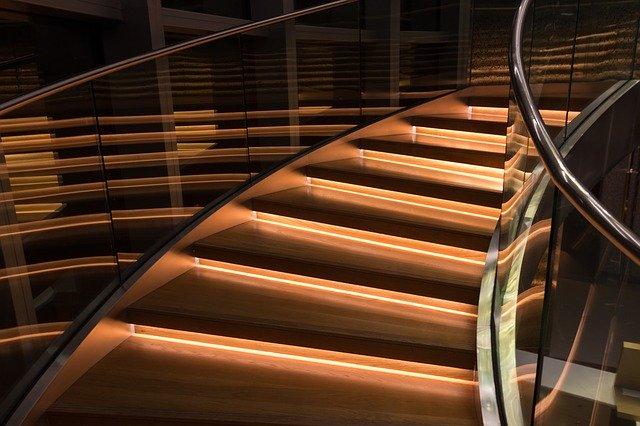 moderní schodiště.jpg